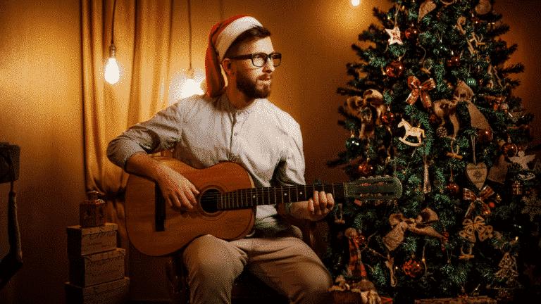 easy christmas songs on guitar